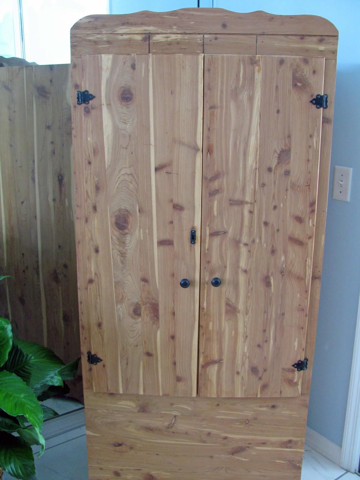 Cedar Closets 3 Nails 4 U Construction: Slammin' The Screen Door: My New Old Cedar Closet And Slow