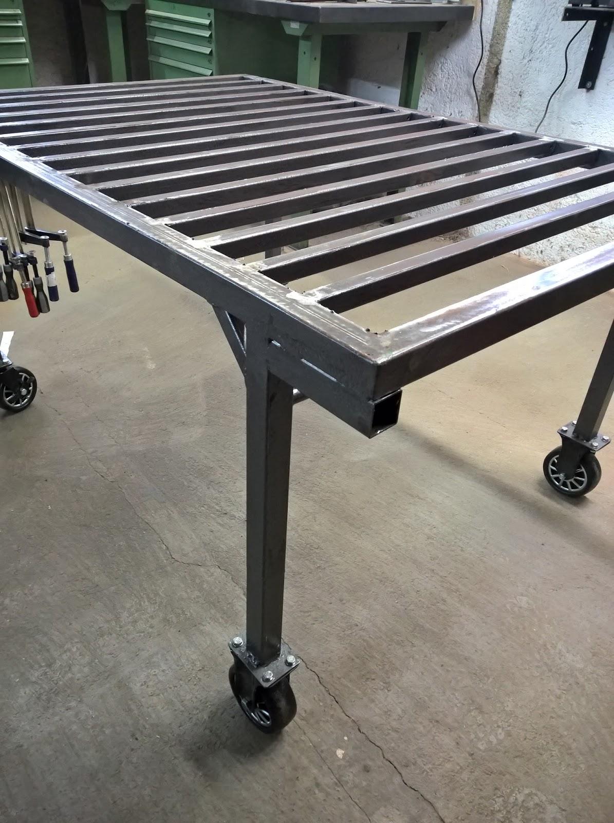 holz und metall ein heimwerkerblog schwei tisch bauen. Black Bedroom Furniture Sets. Home Design Ideas