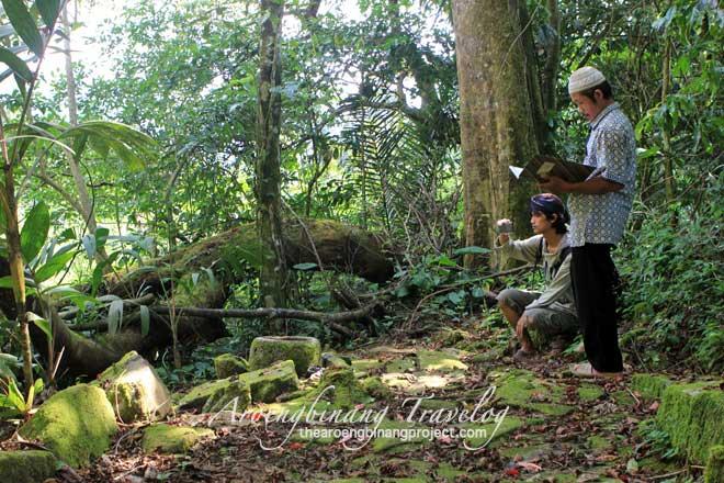 gedong archeological site tlogopakis petungkriyono pekalongan