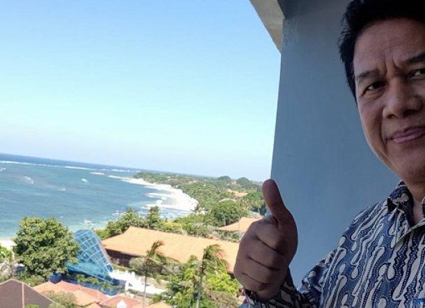 Bela HTI, Guru Besar Undip Dicopot Sementara dari Jabatannya