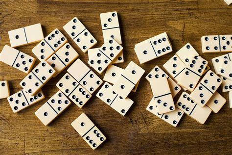 Seni Bermain Domino