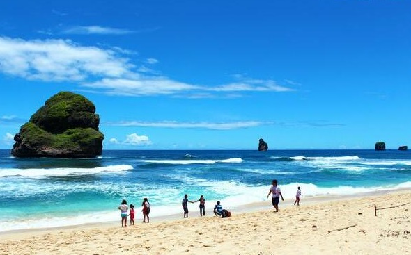 Waspada Berlibur di Pantai Selatan Malang, Ini Kata BMKG