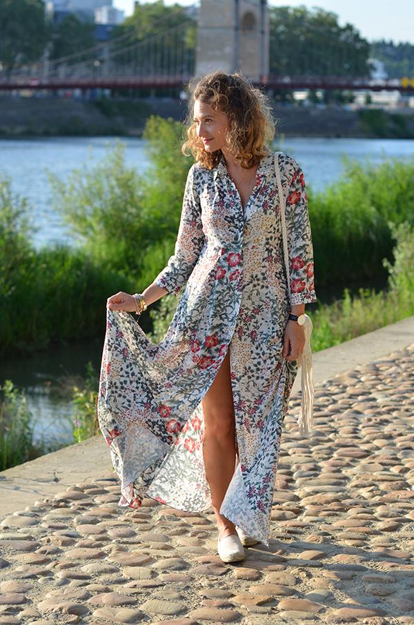 Robe longue à fleurs Zara