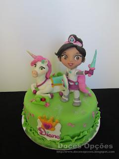 Bolo de aniversário com a Nella, a Princesa Cavaleira