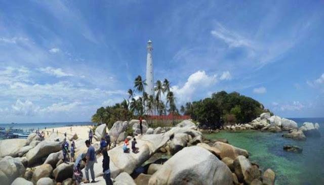 Pulau Lengkuas Yang Eksotis