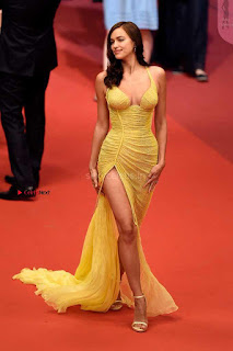 Irina+Shayk+Gets+Naughty+Exposing+her+full+boobs+at+the+Premiere+of+Hikari+at+Cannes+006.jpg