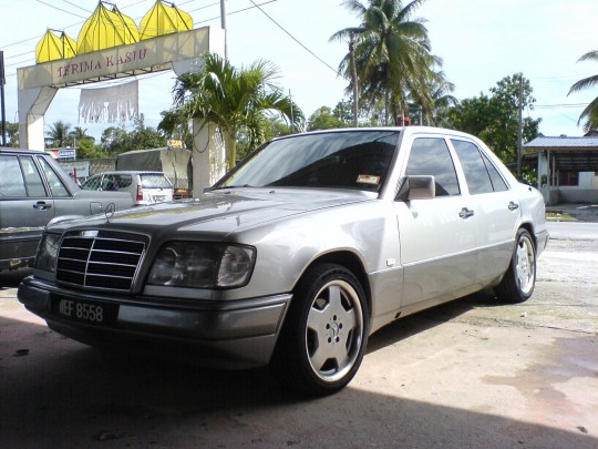 Motoring-Malaysia: An Update On The 1990 W124 Mercedes Benz