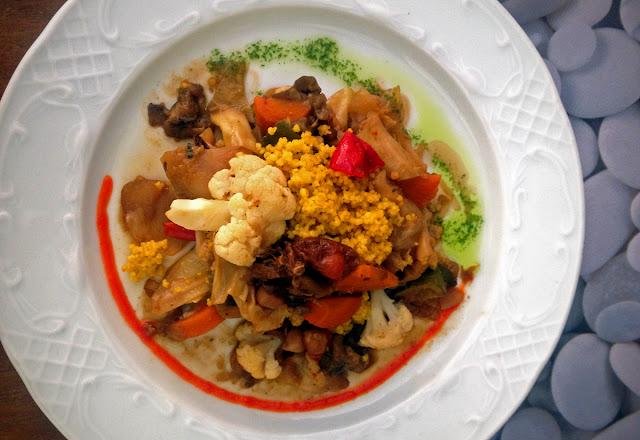 Quinoa restaurante vegetariano - Elche - Couscous main course