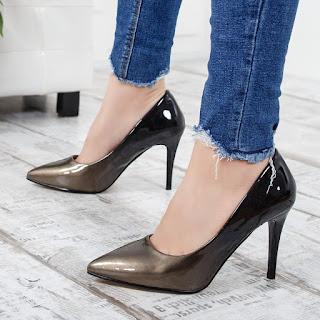 Pantofi Luvieta aurii cu negru din piele lacuita cu toc inalt