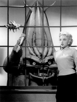 Still, Beverly Garland with Beulah, It Conquered the World (1956)