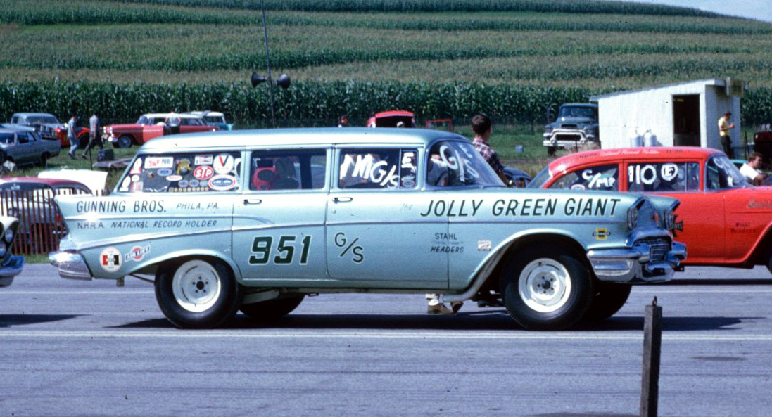 Station Wagon Racers Drag