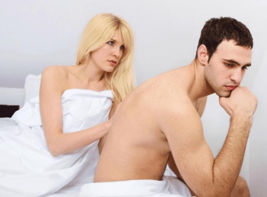 Парень быстро кончает во время секса