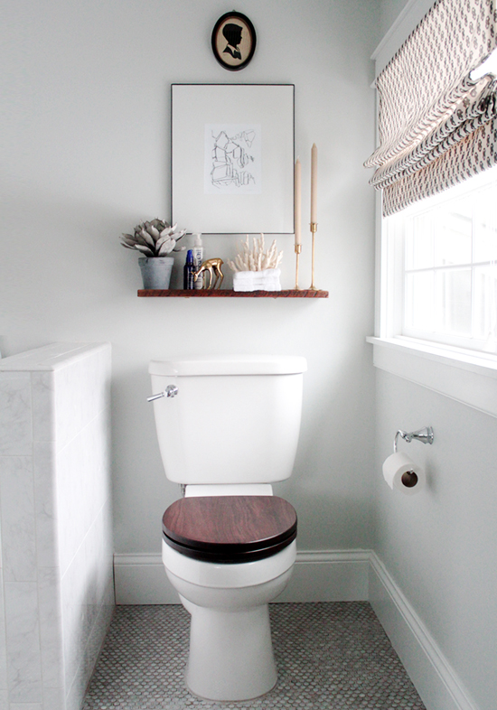 10 fancy toilet decorating ideas © Color me Carla