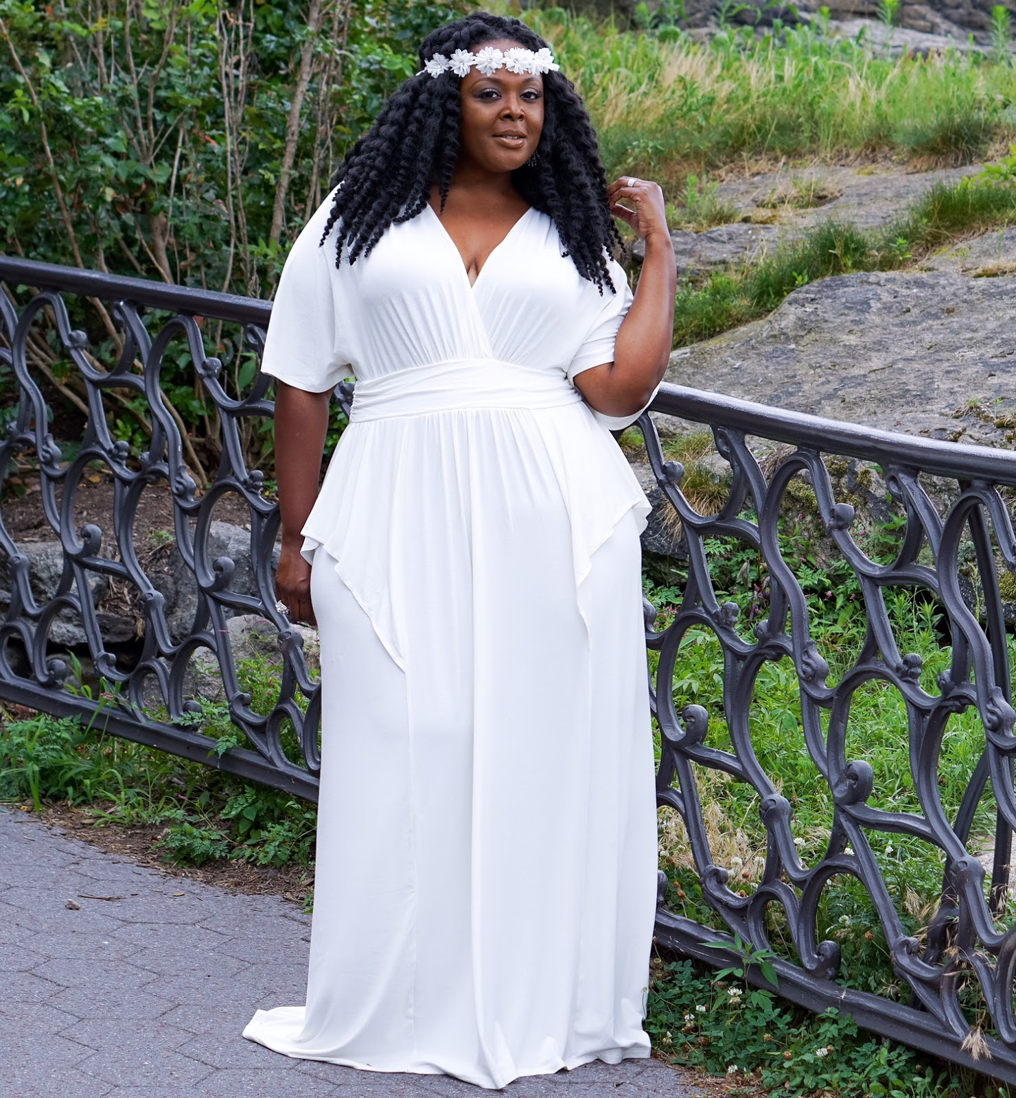 white plus size dress, kiyonna white dress, kiyonna white maxidress, white plus size dress, plus size white maxidress