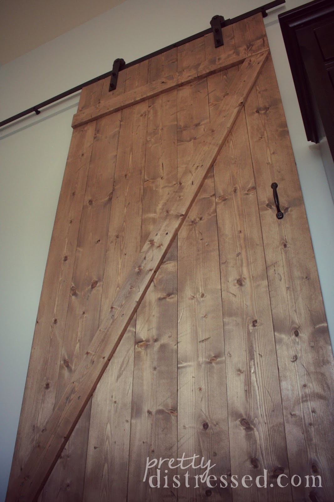Painted Barn Doors Pretty Distressed Diy Distressed Sliding Barn Door
