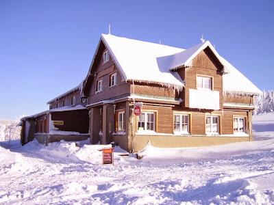 Bouda na Lučinách v zimě