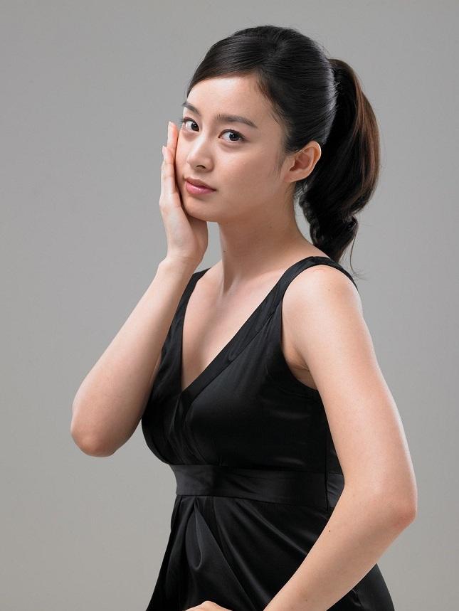Foto Model Kim Tae-hee - Artis Korea Selatan