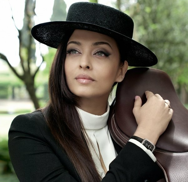 DAZZLING AISHWARYA RAI BACHCHAN FOR LONGINES EQUESTRIAN COLLECTION - AISHWARYA RAI LATEST PHOTOS - BOLLYWOOD NEWS