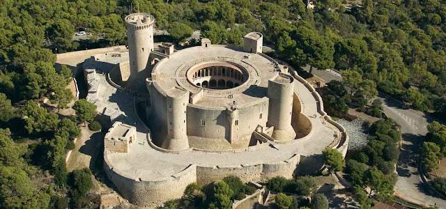El castillo de Bellver en Mallorca y la castellanizacion