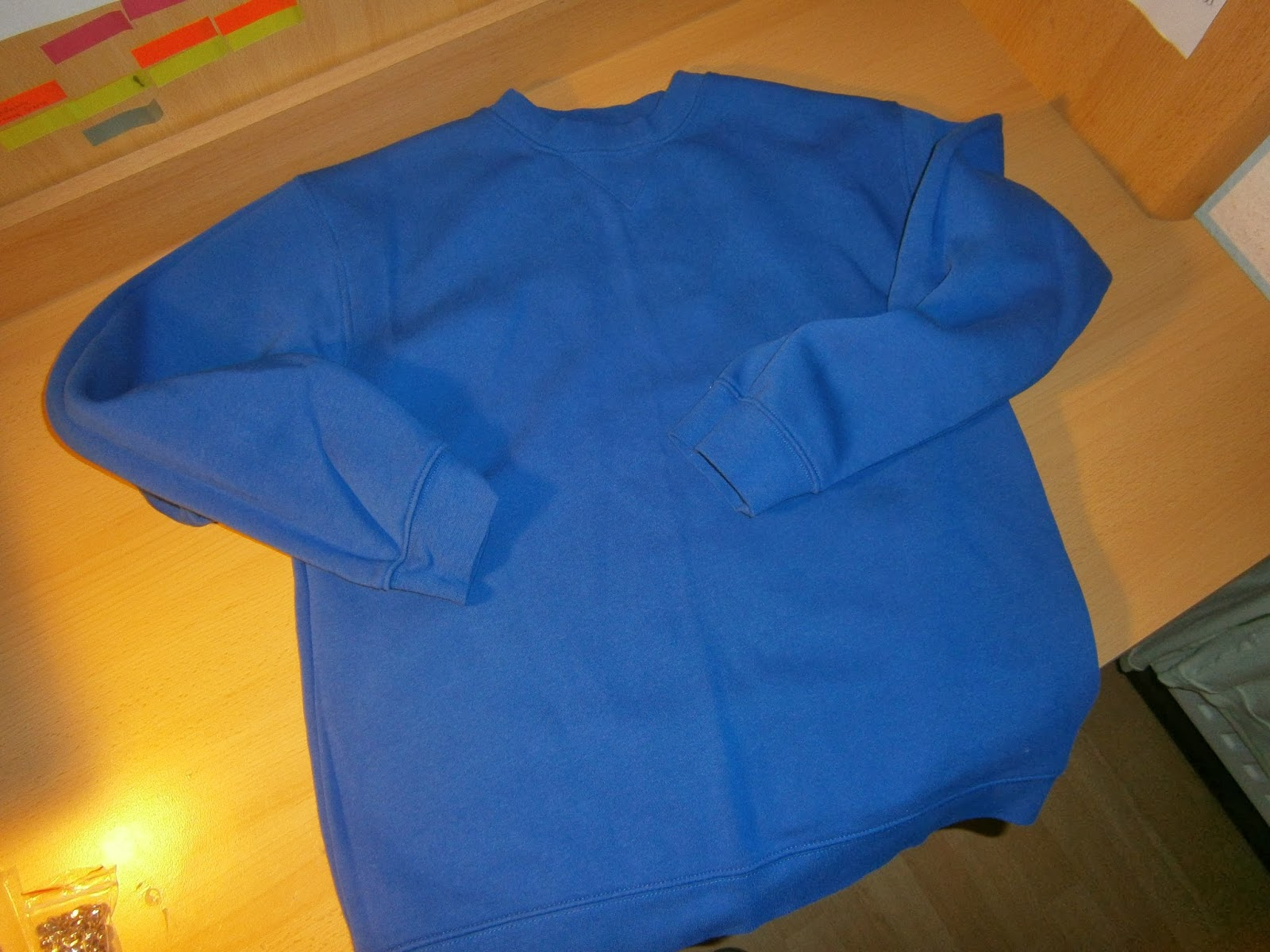 DIY: Bluza z ćwiekami