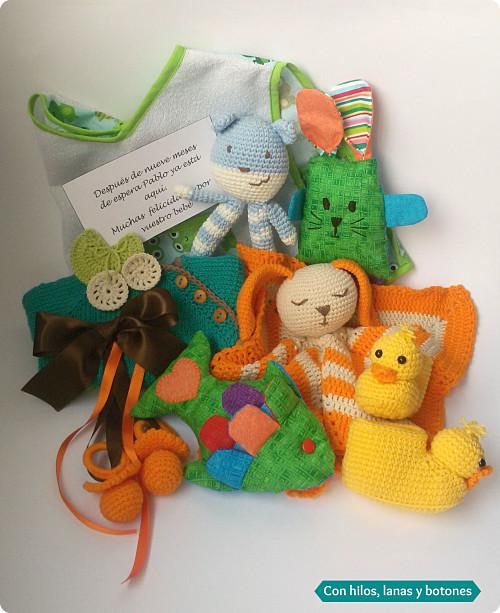 Con hilos, lanas y botones: una caja llena de sorpresas para un bebé llamado Pablo