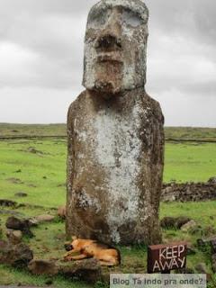 travelling moai - Ahu Tongariki