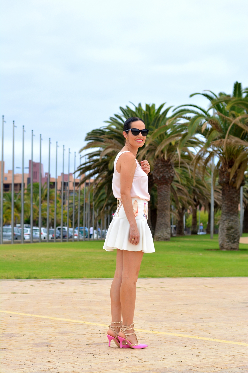 mini-skirt-arcadinas-outfit