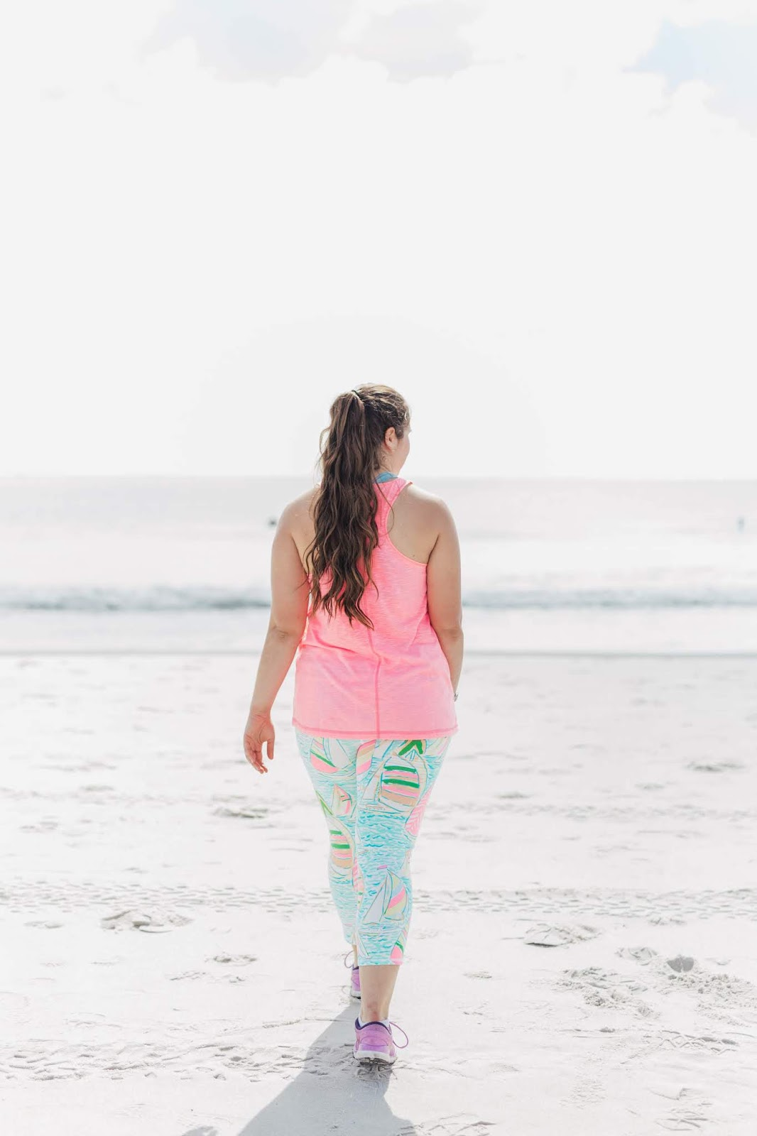 Girl wearing Lilly Pulitzer Luxeletic You Gotta Regatta Weekender Cropped Legging and Pink Kai Tank