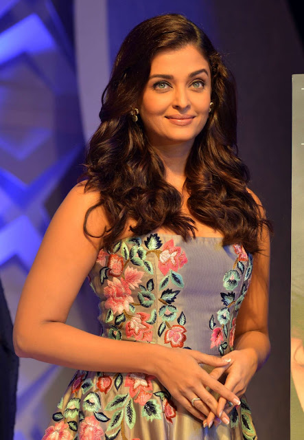 Aishwarya Rai – 7th Outlook Business Outstanding Women Awards in Mumbai