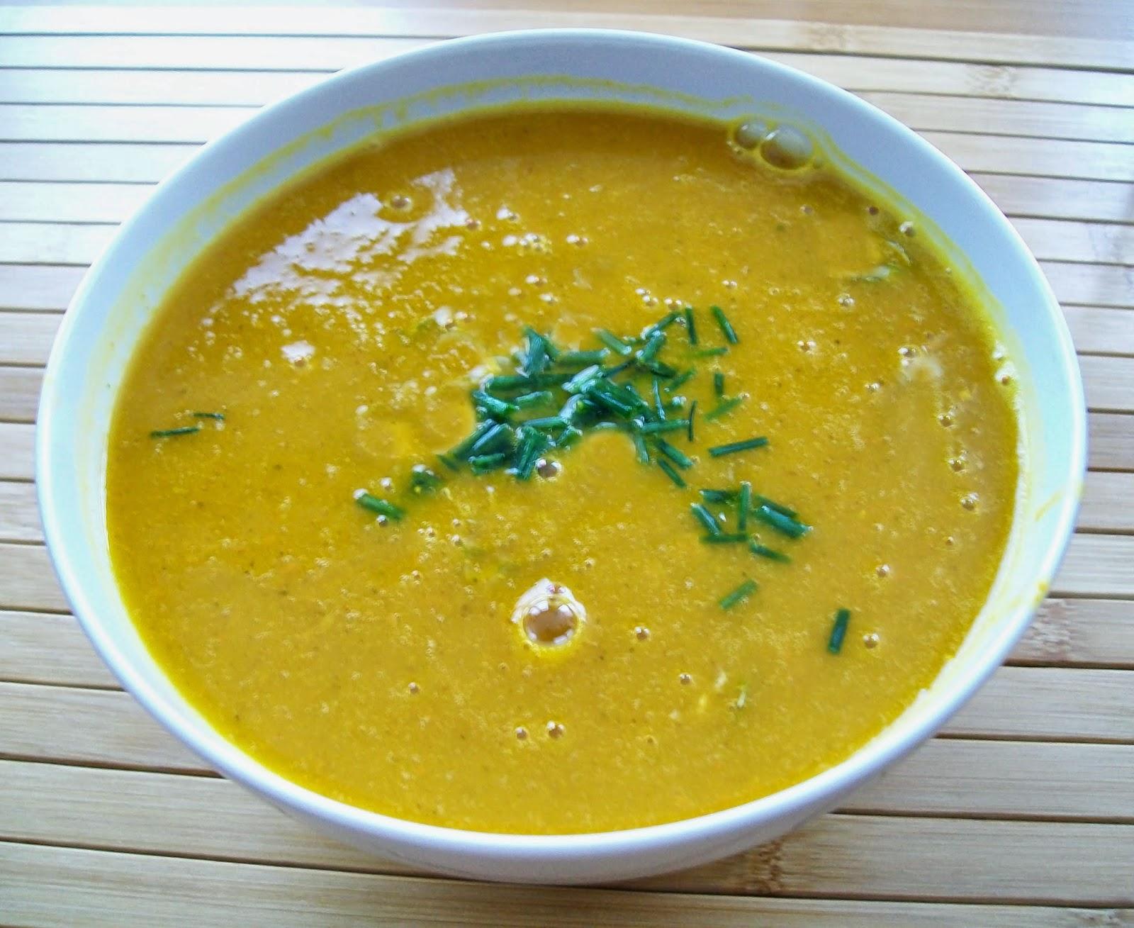 vegan essen in wien - Vegane Karotten-Ingwer-Creme-Suppe (veganes Rezept für 2 Personen)