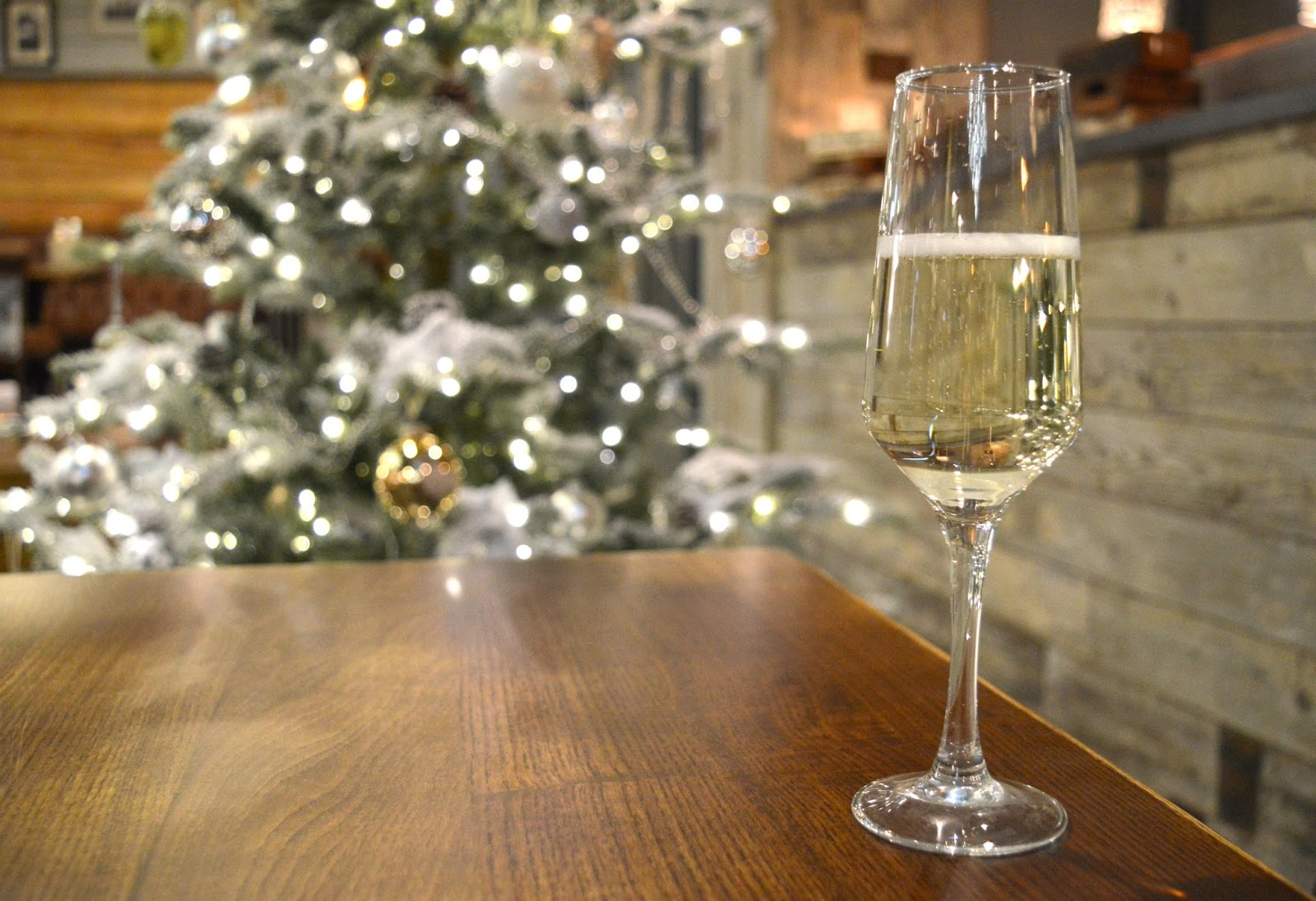 Christmas at the Jolly Fisherman on the Quayside - Prosecco