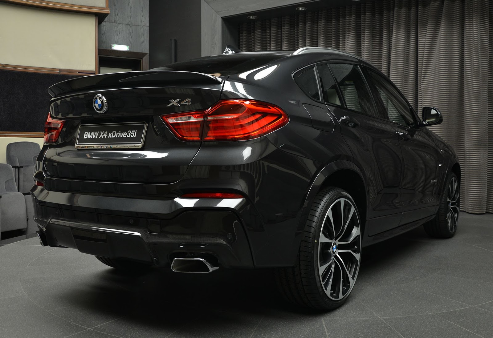 Bmw X4 Looks The Goods With M Performance And 3d Design