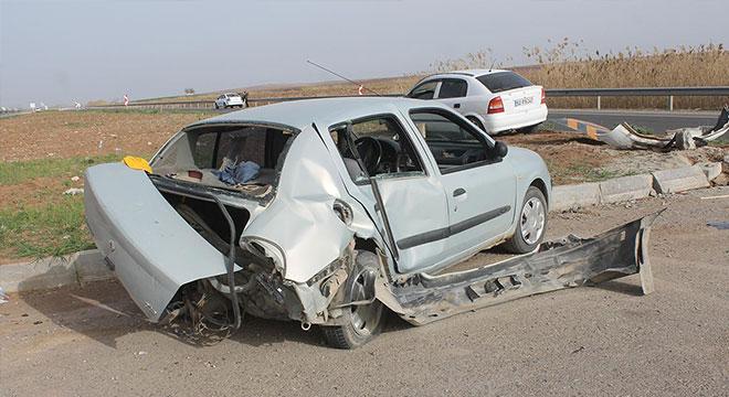 Bismil-Batman yolunda adres soran sürücü kazaya neden oldu: 4 yaralı