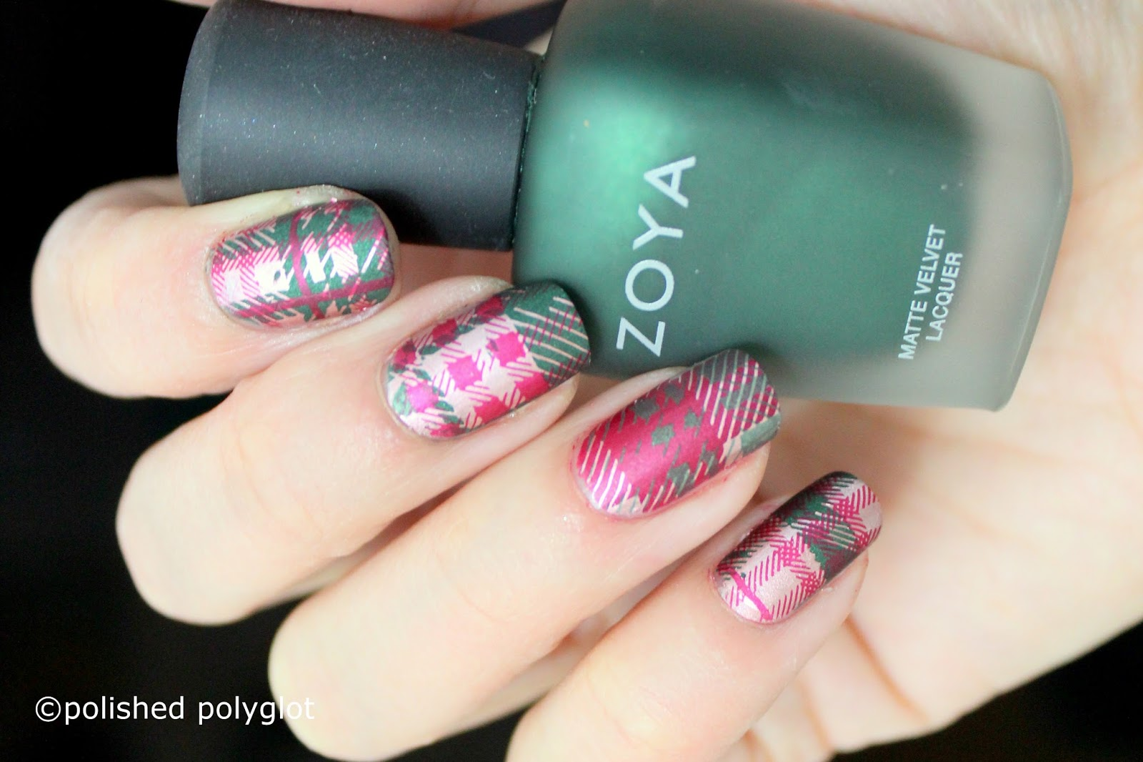 Nail Art │Green, Red & Gold Tartan Pattern Nails [Nail Crazies ...