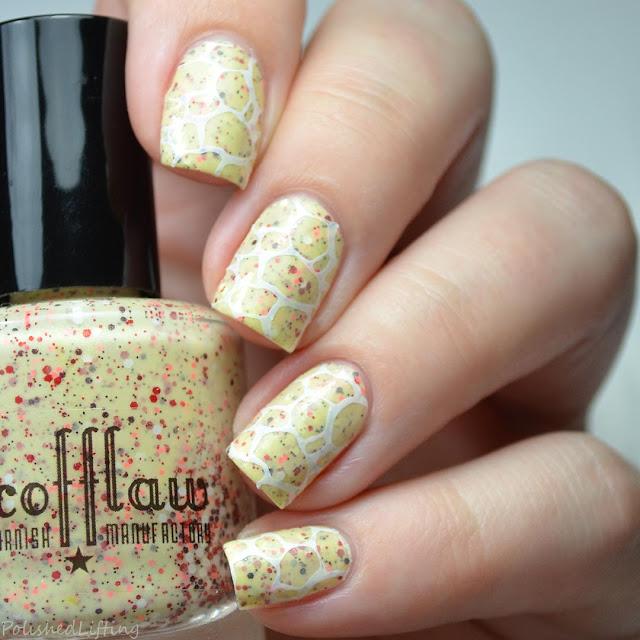 glitter giraffe nail art