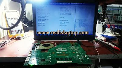 service laptop asus x550 tidak mau tampil di malang