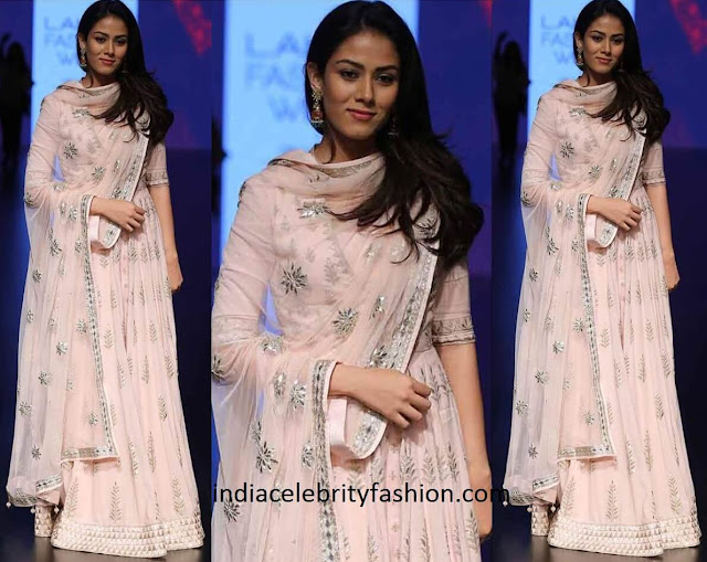 Mira Rajput in Anita Dongre Anarkali at LIFW 2016