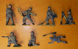 2 Charbens GI WWII Plastic Toy Soldiers Khaki Infantry Polyethylene Figurines DSCN9231 1950's Toy Soldiers; 1960's Toy Soldiers; 54mm Toy Soldiers; Charbens GI's; Charbens Toy Soldiers; Grenade Thrower; Khaki Infantry; Kneeling Firing; Made in England; Marching Toy Soldier; Mine Detector; Mortar Man; Polyethylene Toy Figures; Polyethylene Toy Soldiers; Radio Operator; Running Rifleman; Small Scale World; smallscaleworld.blogspot.com; Timpo GI's; US Infantry; Home Paints probably
