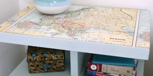 Lapisi furniture biasa dengan peta.