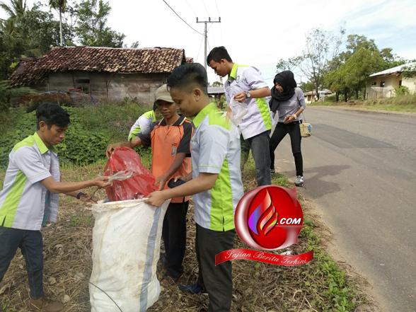 PEMULA Way Kanan Gerakan 500 Orang  Pungut Sampah