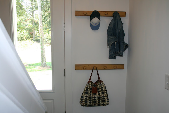 Simple Entryway Coat Hooks | The Lowcountry Lady
