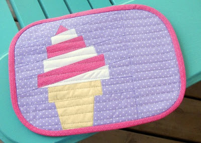 ice cream swirl quilted mug rug pattern