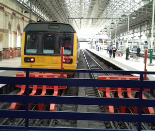 Pacer Railbus 142067 at Manchester Piccadilly