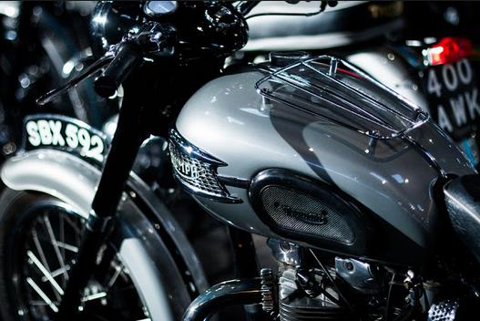 Cara Membuat Motor Mengkilap Seperti Baru