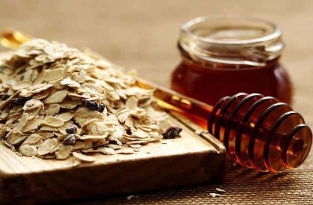Oatmeal & Madu untuk kulit wajah kering