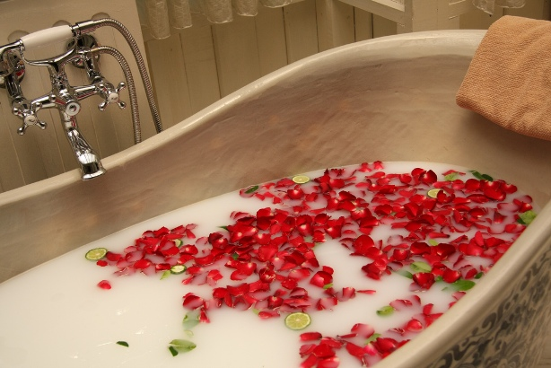 baie detoxifianta ce trateaza durerile
