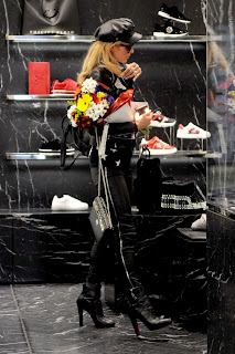 Paris Hilton Shopping at Philipp Plein Boutique in Milan