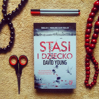 Stasi i dziecko, David Young