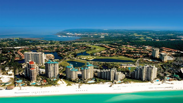 Sandestin Golf and Beach Resort is the perfect solution for all the right reasons. Unlike a hotel, this 2,400 acre resort's collection of 1,250 vacation rentals includes studios to 4-bedroom units, condos, homes, villas and penthouses, giving you an enticing array of options.