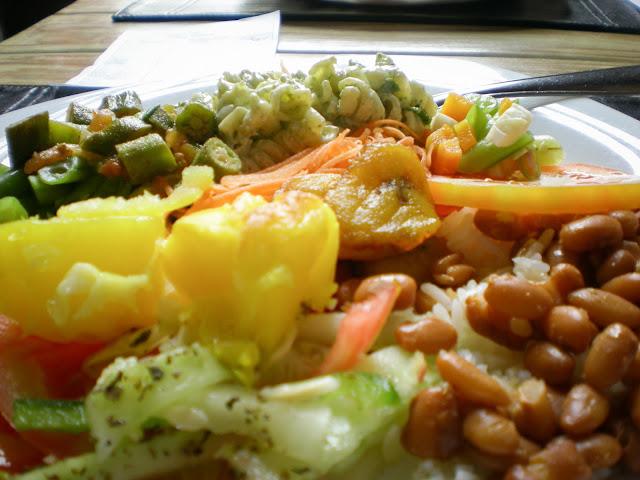 Pasta + arroz e feijão; Mariana